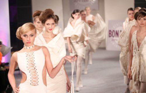 Pokaz mody pod największym dachem Krakowa